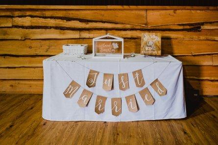 A Summer Barn Wedding at Stock Farm (c) Kate McCarthy (11)