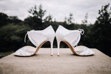 A Pretty Wedding at Holmfirth Vineyard (c) Glix Photography (12)