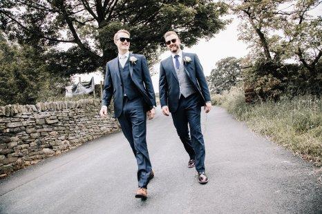 A Pretty Wedding at Holmfirth Vineyard (c) Glix Photography (4)