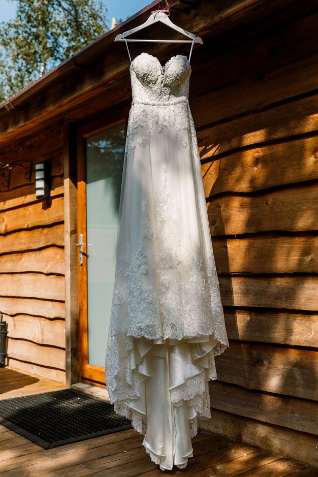 A Rustic Wedding at Barmbyfield Barns (c) Hayley Baxter Photography (1)