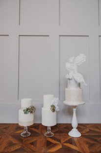 A Swan Lake Styled Shoot at Thickett Priory (c) Victoria Baker Weddings (28)