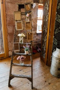 A Rustic Wedding at Three Hills Barn (c) Lauren McGuiness Photography (29)