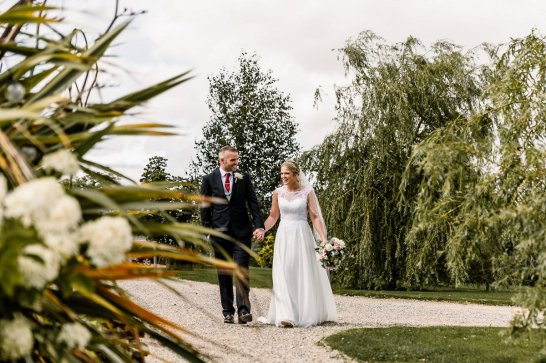 A Rustic Wedding at Yorkshire Wedding Barn (c) Hayley Baxter Photography (53)
