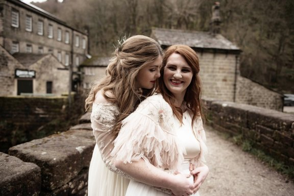 An eco-friendly wedding shoot at Gibson Mill Charlotte Nelson Photography & Louise Pollitt Photography(17)