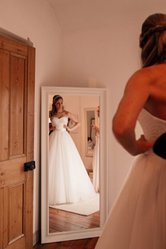 A Relaxed Wedding at Middleton Lodge (c) Abbie Sizer Photography (7)