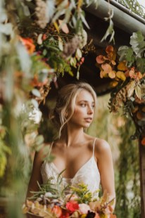 A Glowing Styled Bridal Shoot at Skipbridge Country Weddings (c) Freya Raby Photography & Kayleigh Ann Photography (10)