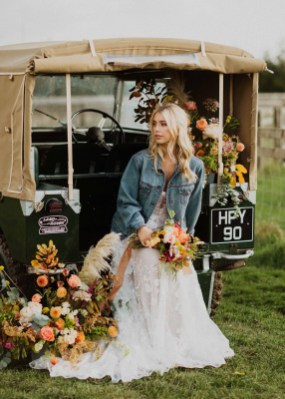 A Glowing Styled Bridal Shoot at Skipbridge Country Weddings (c) Freya Raby Photography & Kayleigh Ann Photography (21)