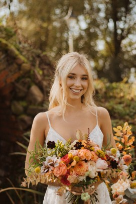 A Glowing Styled Bridal Shoot at Skipbridge Country Weddings (c) Freya Raby Photography & Kayleigh Ann Photography (3)