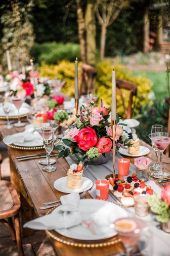 Living Coral Styled Wedding Shoot (c) Anna Beth Photography (12)