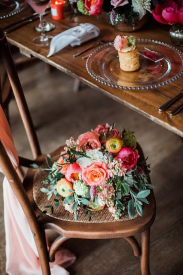 Living Coral Styled Wedding Shoot (c) Anna Beth Photography (28)