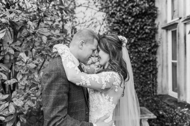 Pronovias Wedding Dress for a Winter Wedding at Mitton Hall (c) Kieran Bellis Photography for Brides Up North (44)