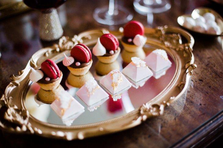 A Pretty Pink Wedding Styled Shoot at Saltmarshe Hall (c) Anna Beth Photos (22)