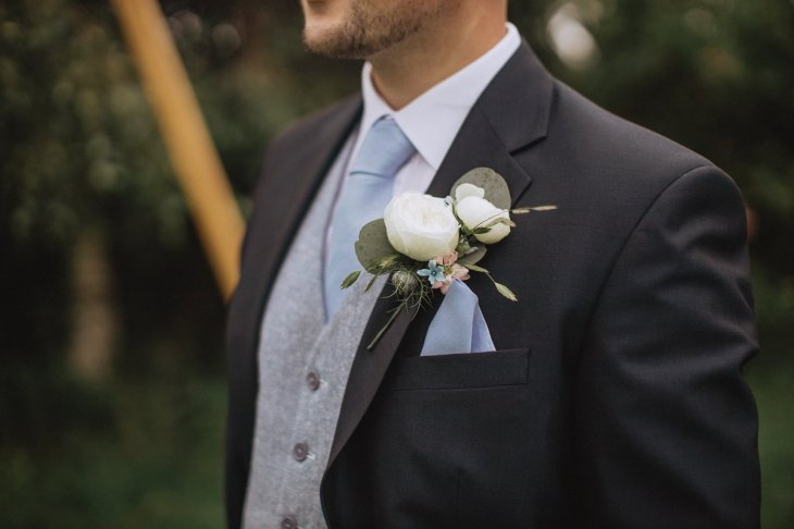 A Rustic Farm Wedding Shoot in North Wales (c) Fox & Bear Photography (10)