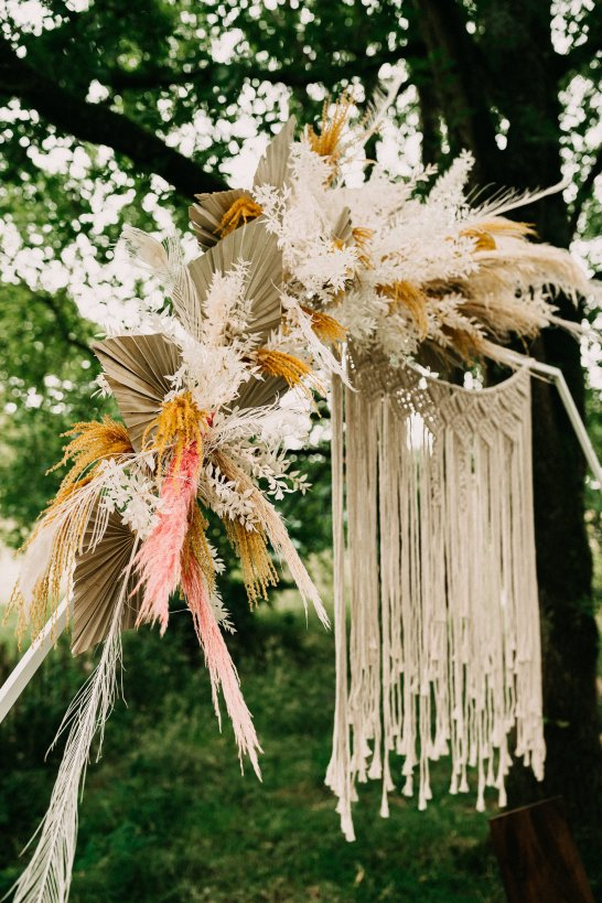 A Rustic Micro Wedding Shoot (c) Emilie May Photography (31)
