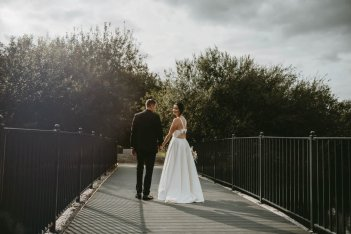 Luxe Rustic Wedding Shoot at The Grand Lodge at Oaklands (c) Louise Pollitt Photography (33)