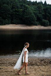 Waterside boho wedding shoot at Damflask Reservoir (c) Fox Moon Photography (10)