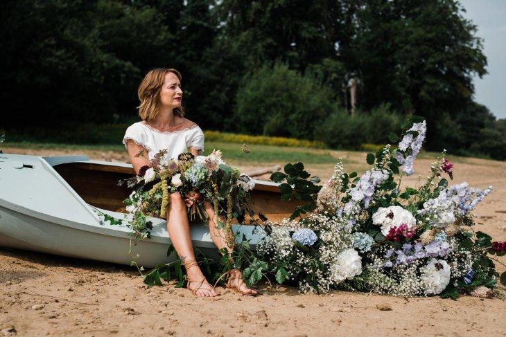 Waterside boho wedding shoot at Damflask Reservoir (c) Fox Moon Photography (11)