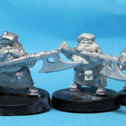 Highland Dwarves with Polearms
