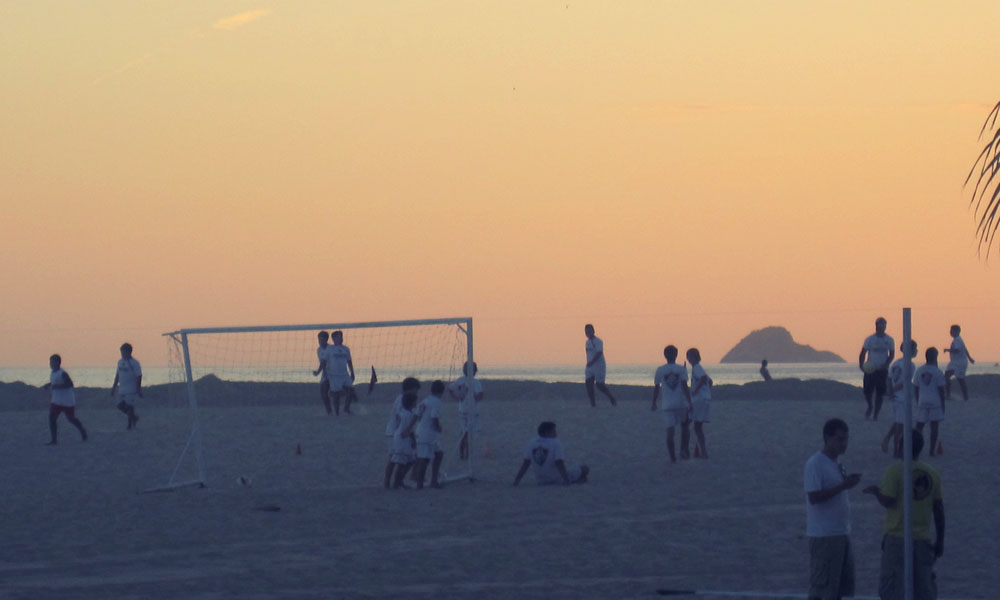Things to do in Rio - Football on Ipanema