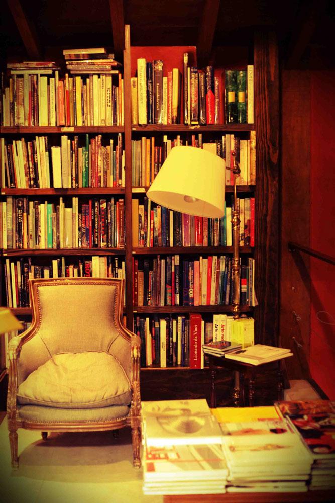 Art section at Libros del Pasaje, Buenos Aires