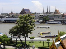 Wat Arun view of the river