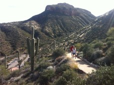 Lovely walk up to the lower cliff dwellings