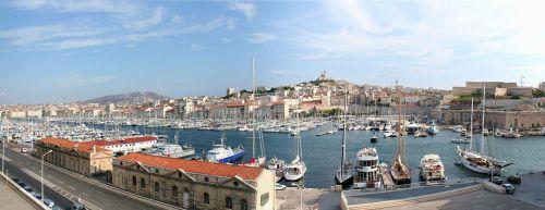 Der alte Hafen - Vieux Port - von Marseille aus einem ähnlichen Blickwinkel wie auf der Briefmarke zu sehen. [2] Foto: Ingo Mehling.