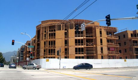 Not much progress can be seen on this corner of Del Mar and Pasadena Ave. since the last update from several weeks ago