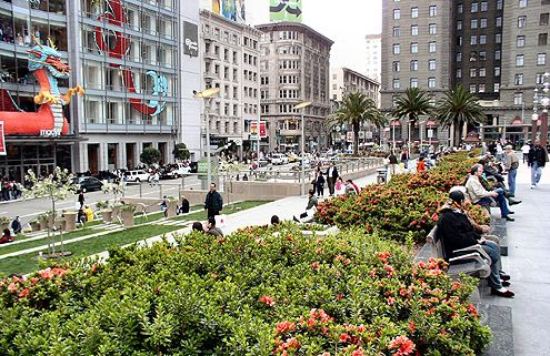 Union Square in SF is accessible and vibrant with great connections with the surrounding blocks