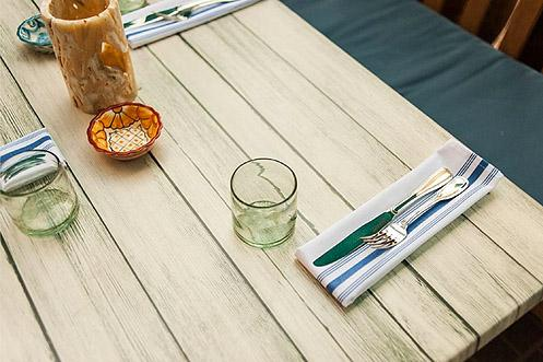 Enjoy the food and LA's beautiful sunny weather by dining outside (Photo: Wonho Frank Lee | Eater LA)