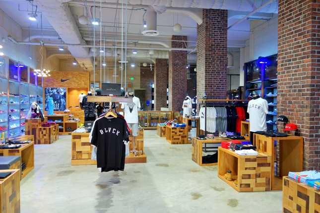 The new cavernous Shiekh flagship store in Downtown LA