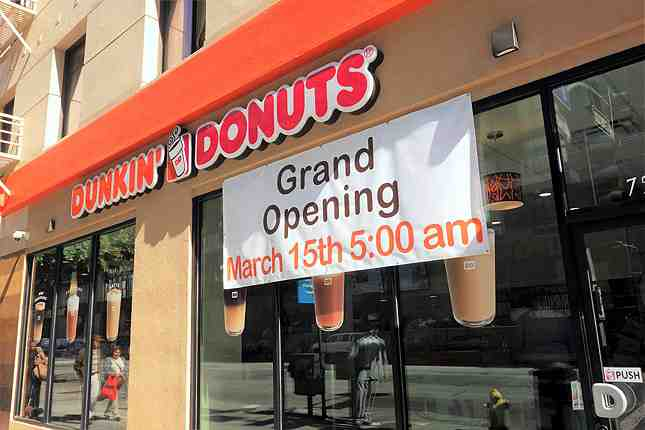 Dunkin' Donuts opened its first DTLA location this morning at 8th and Olive