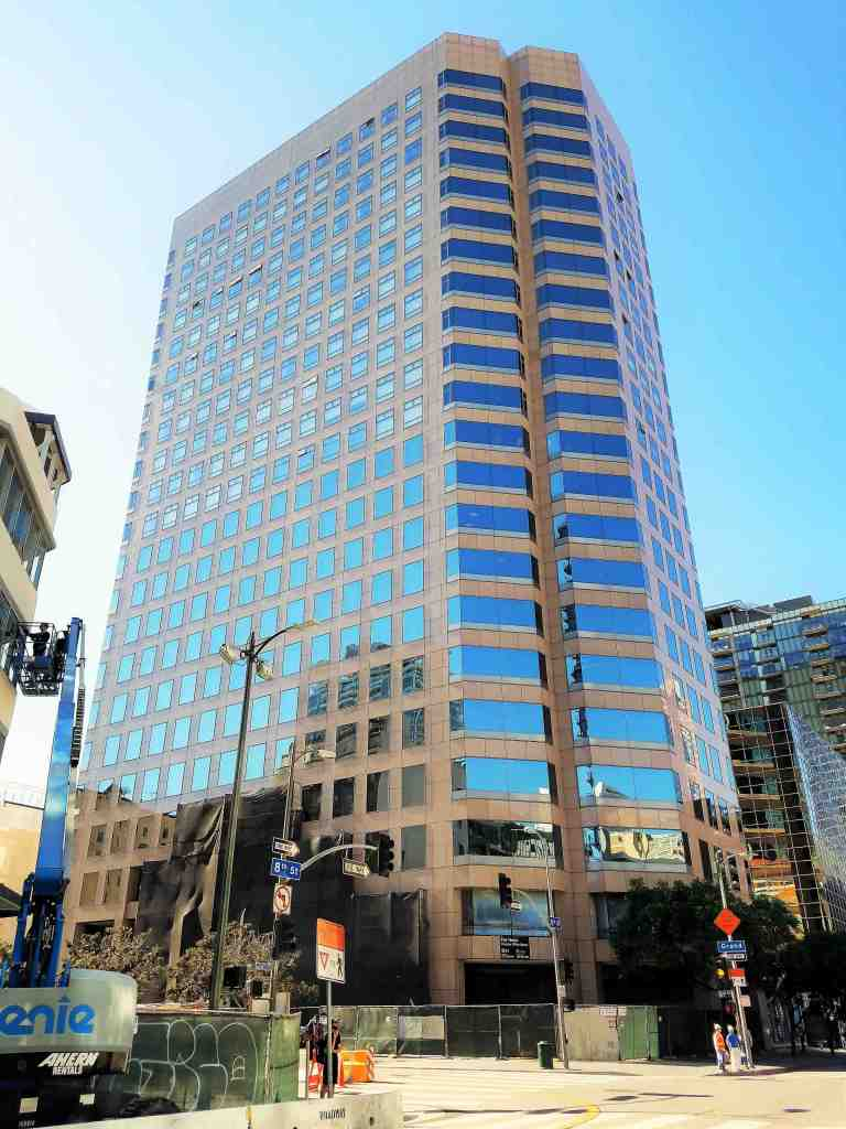 801 S Grand, once referred to as Chase Plaza, is a 22-story office tower built in 1986 that had its upper floors from 12 to 22 converted to 132 residential condos in 2006