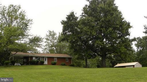Property for sale at 415 Richmond Rd, Castleton,  VA 22716