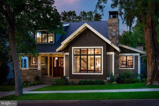 Property for sale at 210 Catoctin Cir Ne, Leesburg,  VA 20176