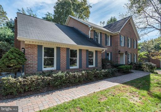 Property for sale at 11465 Bronzedale Dr, Oakton,  VA 22124