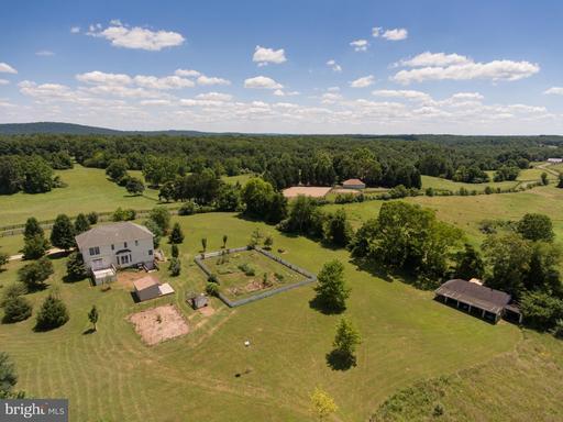 Property for sale at 7158 Redlin Ln, Marshall,  VA 20115