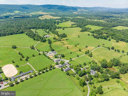 Property for sale at 33542 Newstead Ln, Upperville,  Virginia 20184