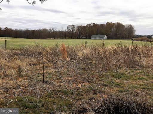 Property for sale at 43129 Lucketts Rd, Leesburg,  VA 20176