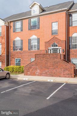 Property for sale at 662 Gateway Dr Se #211, Leesburg,  VA 20175