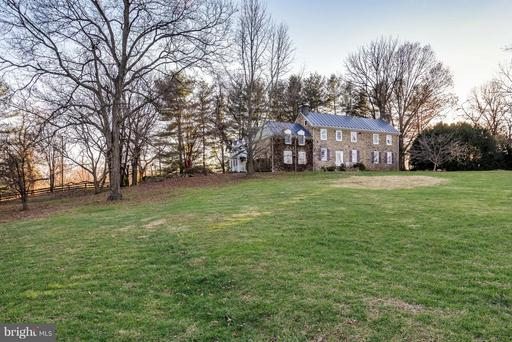 Property for sale at 18483 Silcott Springs Rd, Purcellville,  VA 20132