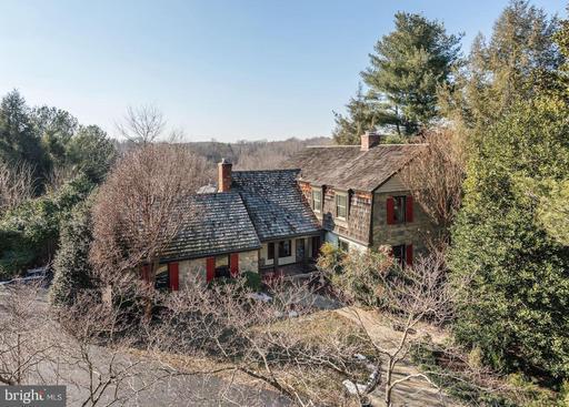 Property for sale at 1124 Walker Rd, Great Falls,  VA 22066