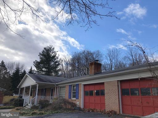Property for sale at 27 Jackson Ave, Round Hill,  VA 20141