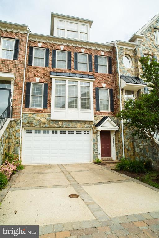 Congratulations You have found Loudoun's Premier Golf Country-club Community! This 4 bedroom 3 & 1/2 bath home on the Fairway has beautiful views!