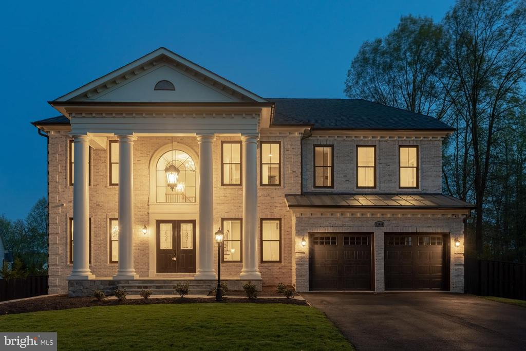 NEW CONSTRUCTION! Premier Homes presents the Tuscan.  Elgnt opn,8,000+ sqft liv,10'ceil, 2-stry circ strs,ELEVATOR, Chef kitch w/lrg isl, lrg FR sharing 2sided fpl w/scrned porch,lib/BD,Deck,grnd rear strs connct all lvl. Hrdwd on ML,UL hall & MB. UL w/grnd hallwy overlook fyr. MBR w/sitting room & fpl & screened porch,Lux Frnch style glss encl MBA.LL feat/RR w/fpl, Bar, 2BD,BA,Spa,ExerciseRm OVER $150k SPENT ON OUTDOOR LIVING SPACE! Delivery Winter 2018/2019!
