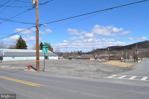 Property for sale at 121 N Tulpehocken St, Pine Grove,  Pennsylvania 17963