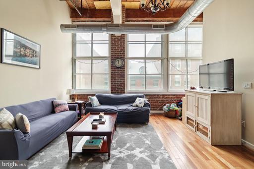 Property for sale at 1010 Arch St #301, Philadelphia,  Pennsylvania 19107
