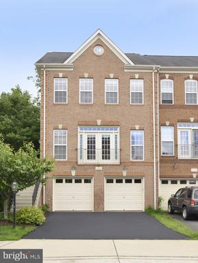 Property for sale at 41897 Cinnabar Sq, Aldie,  Virginia 20105