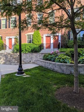 Property for sale at 103 Commodore Ct, Philadelphia,  Pennsylvania 19146
