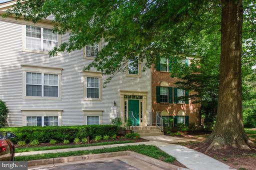 Property for sale at 1110 Huntmaster Ter Ne #202, Leesburg,  Virginia 20176